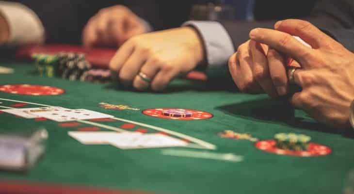 Significant Benefits of Playing at Judi Bola Online Gambling Site